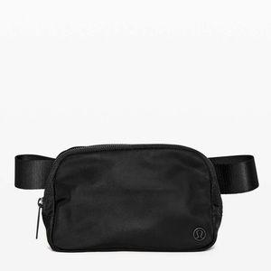 Lululemon Everywhere Belt Bag 1L Black